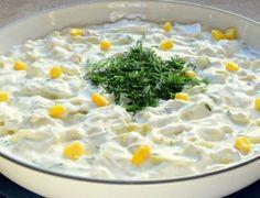 Kolay Yoğurtlu Enginar Salatası Tarifi ve gerekli malzemeleriyle enginar salatası yapımı hakkında bilgiler. Yoğurtlu Enginar Salatası nasıl yapılır?