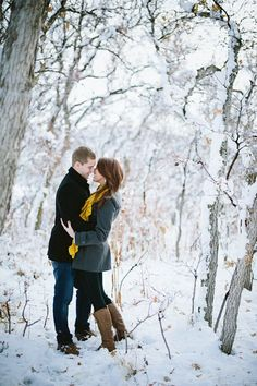 Winter Engagement Photo Ideas - The SnapKnot Blog