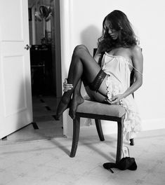 Zoe Saldana's Feet << wikiFeet