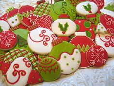 Here are the best Christmas Cookies decorations ideas for your inspiration. These Christmas Sugar Cookies decorated with royal icing are cutest desserts. Christmas Sugar Cookies, Christmas Sweets, Christmas Cooking, Noel Christmas, Christmas Goodies, Holiday Cookies, Simple Christmas, Christmas Christmas, Fancy Cookies