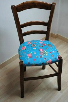 How-to chairs or how to re-upholster a straw or other chair my clear nights Chaise Diy, Chaise Ikea, Typography Prints, Home Decor Furniture, Own Home, Diy And Crafts, Dining Chairs, Occasion, Shabby