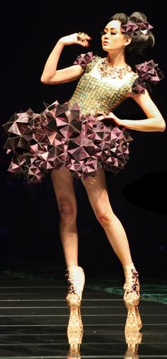 3D Sculptural Geometric Dress by Guo Pei - wearable art