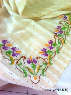 Kaneviçe-Tel Kırma | Remziye NAKIŞ Cross Stitch Borders, Bargello, My Favorite Color, Projects To Try, Tools, Embroidery, Cross Stitch Flowers, Embroidered Towels, Ideas