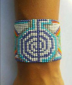 Dieses Armband ist ein handgemachter Schmuck.Sie könnten sicher sein, dass Sie ein einzigartiges Armband kaufen!13 cm x 6 cmKostenloser Versand in Deutschland…Armband, Schmuck, Samenperlen, Perlen, Huichol, Ethnische, Ethno, Hippie, Bohemian, Anden, schamanisch, Perlenarbeit, einheimisch, handgemachtBracelet, jewellery, beaded, seed beading, seed beads Czech, glass beads, boho, native, gorgeus, magic, shamanic, Mexican, Colombian, Venezuelan, Peruvian, Ecuadorian, Andean, kid, handwoven… Good Energy, Handicraft, Friendship Bracelets, Turquoise Bracelet, Jewelry, Fashion, Handmade Gifts, Hand Made, Trends