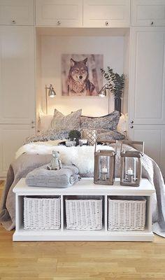Bello. Sigdal kjøkken Styling: Amalie Fagerli Decor, Furniture, Interior, Apartment, Table, Entryway Tables, Home Decor, Bed, Entryway