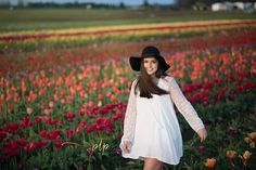 Senior Girls, Tulip fields, colors, hats, girls twirling, Pdx, Portland, Oregon