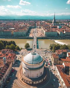 Places of Turin ( Places In Italy, Places To Go, Gran Tour, Moving To Italy, Italy Architecture, Italy Pictures, Turin Italy, World Of Darkness, World Cities