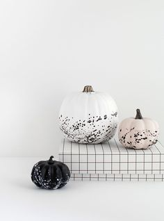 Paint splattered pumpkins DIY by MichaelsMakers Homey Oh My