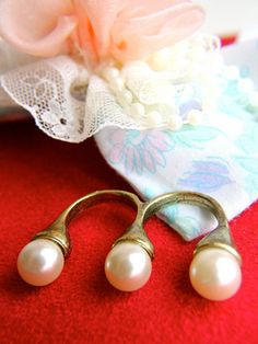 $10 The Pearl Trio at https://shopsto.re/items/4413 #accessories #jewelry#rings