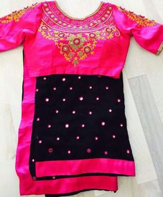 Black color georgetty saree border lace opposite pink raw silk cloth to make pink thread circle mirror work high neck design blouse. Its very simple making and good looking both combination. Half Saree Designs, Saree Blouse Designs, Mirror Work Blouse, Saree Border, Work Sarees, Indian Attire, Short Sleeve Dresses, Couture, Clothes