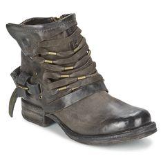 Ucuz Sıcak chaussure femme Bayanlar Motosiklet Yağmur Boots Vintage Savaş Punk Ayak Bileği Ayakkabı Kadınlar Biker Deri Kovboy Çizmeleri Çorap, Satın Kalite bayan botları doğrudan Çin Tedarikçilerden: Bottes femmes genuine leather cowboy boots leather stockings rain boots buckle strap side zip botas mujer shoes woman
