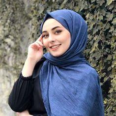 Hijabi Girl, Girl Hijab, Hijab Outfit, Beautiful Little Girls, Beautiful Girl Image, Beautiful Hijab, Abaya Fashion, Muslim Fashion, Fashion Outfits