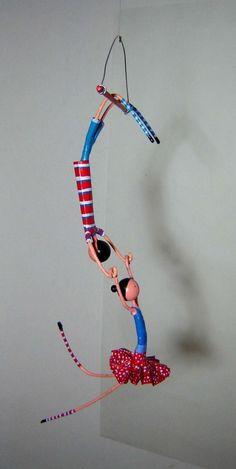 Gusto mache mucho papier figures - Her Crochet Paper Mache Clay, Paper Mache Sculpture, Paper Mache Crafts, Wire Crafts, Clay Art, Sculpture Art, Diy And Crafts, Diy Paper, Paper Art