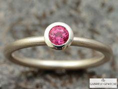 Verlobungsring, Pinker Turmalin in Sterlingsilber von Schmuckbotschaften auf DaWanda.com