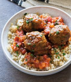 Moroccan Lamb Meatballs with Spiced Tomato Sauce ---replacing couscous with brown rice Meatball Recipes, Beef Recipes, Cooking Recipes, Healthy Recipes, Lamb Mince Recipes, Skillet Recipes, Cooking Tools, Healthy Food, Dumplings