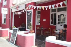 After some book buying why not grab a cuppa at these 5 coffee shops in Hermanus? Coffee Words, Little's Coffee, Great Coffee, Coffee Shop, Hangover Breakfast, Fresh Cake, Coffee Facts, Bright Decor, Best Chocolate Cake