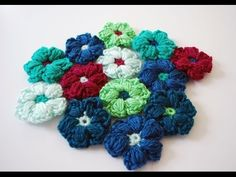 How to Crochet a Puff Stitch Flower: Beginner Friendly Tutorial - YouTube