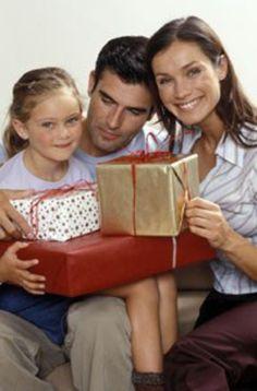 Ein gelungenes Weihnachtsfest mit der Familie #familie, #weihnachten, #Liebe Alle Jahre wieder steht Weihnachten vor der Tür: die besinnliche Adventszeit,Lebkuchen backen und ein freudiges Familienfest einerseits...