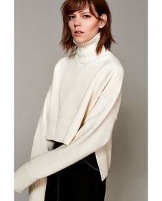 STUDIO WOOL SWEATER WITH A RAISED COLLAR - Available in more colours