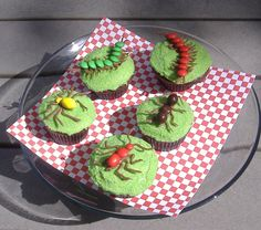 I Scream, You Scream bug cupcakes