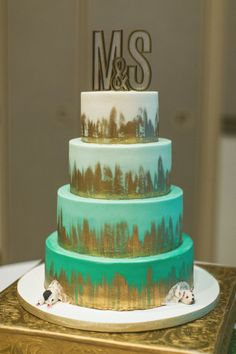 4588a4219a2cef87c799eec7e1801525--amazing-wedding-cakes-mint-and-gold-wedding-cake.jpg 736×1,104 pixels