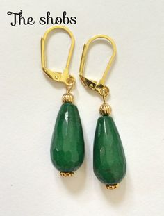 Stunning green jade earring! <br>Perfect summer buy ... Don't miss out!