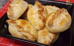 Aka empanadas with corn and white sauce. A good vegetarian empanada option! Dim Sum, Quesadillas, Easy Delicious Recipes, Yummy Food, Kitchen Recipes, Cooking Recipes, No Cook Appetizers, Empanadas Recipe, Savory Pastry