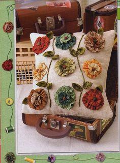 Artesanato Fofo: Almofada decorada com fuxicos