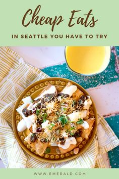 A local shares where to find the best cheap eats in Seattle. From street tacos and burgers to Indian and Thai street food, eating is the funnest of cheap things to do in Seattle! #cheapseattletrip #cheapeatsseattle #seattlestreetfood #bestseattlerestaurants #wheretoeatinseattle #seattlefoodguide