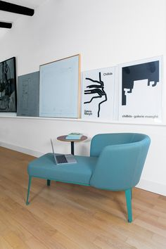 Home becomes a flexible space for living, working and meeting Find Furniture, Furniture Decor, Furniture Design, Bench Cushions, Comfortable Sofa, Modern Chairs, Chair Design, Armchair, Relax
