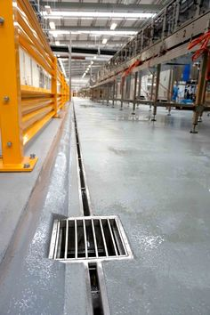Slot drain drains drains pinterest for Case vittoriane contemporanee