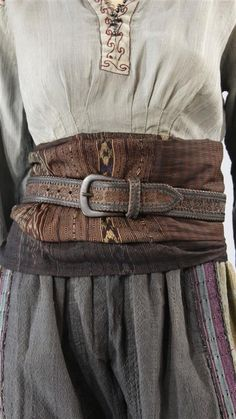 Layering.   Belts.   Medieval.  Costumes.   Time periods.