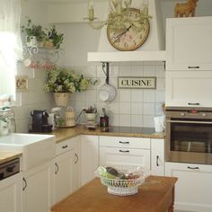 Eclectic Home Country French Cottage Interiors Design, Pictures, Remodel, Decor and Ideas