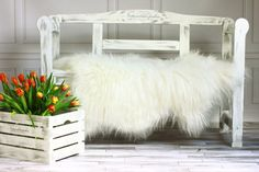 GENUINE NEW NATURAL ICELANDIC - RARE BREED SHEEPSKIN RUG/PELT100% ORIGINAL PRODUCT >>>> U N U S U A L M A R K I N G S<<<<