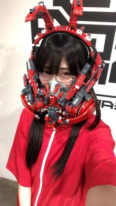 Between cyberpunk, cosplay and DIY, here are the impressive creations of the Japanese Hiroto Ikeuchi, who handcrafts wearable functional futuristic objects and accessories Mode Cyberpunk, Cyberpunk Girl, Cyberpunk Aesthetic, Cyberpunk Fashion, Armadura Sci Fi, Character Inspiration, Character Design, Character Concept, Tracer Cosplay