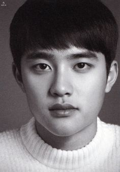 D.O - 160419 30 Portraits Eye Contact Photo Exhibition  - [SCAN][HQ]  Credit: Here I Am.