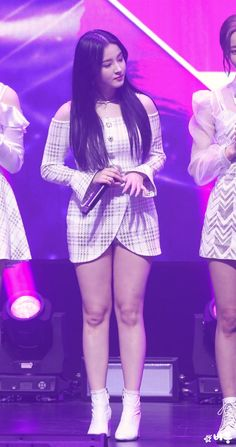 Born: 13 April 2000 (age 20 years), Chilgok-gun, South Korea Height: m Full name: Nancy Jewel McDonie Nationality: American, . Nancy Jewel Mcdonie, Nancy Momoland, Beautiful Girl Image, Beautiful Asian Girls, Bollywood Girls, Cute Girl Pic, Lovely Legs, Girl With Curves, Hot Brunette