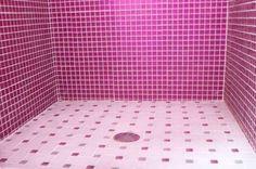 Mosaic Tile Bathroom Photos to Spark Your Imagination Glitter Bathroom, Pink Bathroom Tiles, Pink Tiles, Mosaic Bathroom, Bathroom Wall Decor, Bathroom Flooring, Mosaic Tiles, Pink Bathrooms, Bathroom Plants