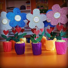 Simple Valentine& Day Crafts for Kids Valentine Crafts For Kids, Valentines Diy, Holiday Crafts, Valentine's Day Crafts For Kids, Mothers Day Crafts, Diy And Crafts, Diy Y Manualidades, Mother's Day Diy, 8th Of March