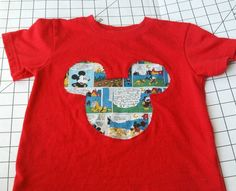Learn how to make a reverse applique shirt -- the possibilities are endless! T Shirt Tutorial, Applique Tutorial, Applique Patterns, T Shirt Diy, Tee Shirts, Reverse Applique, Sewing For Beginners, Couture, Sewing Clothes