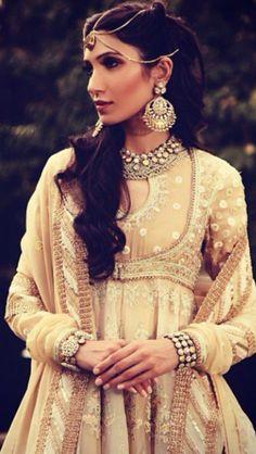 Abu Jani and Sandeep Khosla creation. Indian Attire, Indian Ethnic Wear, Indian Style, Pakistani Outfits, Indian Outfits, India Fashion, Asian Fashion, Indiana, Desi Wedding