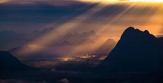 Light from the sky by Thasu Thientumrongsuk