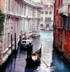 Brasa Canela - Travel & Retreat Tips  A eterna romântica Veneza - Descubra mais sobre esse paraíso flutuante ...  #Brasa #BrasaJewellery #precious   #Zurique   #BRASACANELA #BCJewelleryCulture #BCSocietyMagazine
