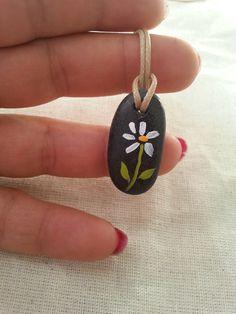 Beach stone necklace, hand painted stone, daisy rock pendant, flower jewelry…