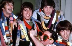 Starkey♥♥John W. Lennon♥♥S. Paul McCartney♥♥George H. Harrison♥♥ scarf knit for The Beatles by Sydney radio station listeners The Beatles 1, Beatles Photos, Great Bands, Cool Bands, Rock N Roll, Richard Starkey, Lennon And Mccartney, British Invasion, The Fab Four