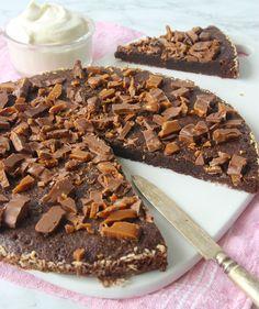 """Sökresultat för """"Daim"""" – Lindas Bakskola Fika, Food Cakes, Chocolate Cake, Nom Nom, Cake Recipes, Cereal, Sweets, Breakfast, Advent"""