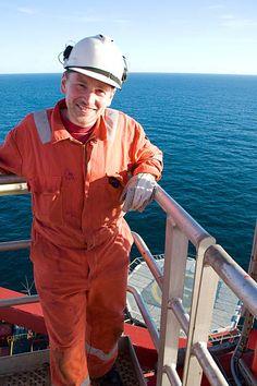Water Well Drilling, Drilling Rig, Metal Model Kits, Metal Models, Oil Rig Jobs, Scammer Pictures, Oilfield Life, Oil Platform, Marine Engineering