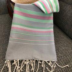 Fouta tunisienne drap de plage - ADGArt Fibre Art, Textile Art, Weave, Towel, Textiles, Stripes, Inspiration, Blanket, Loom Knitting