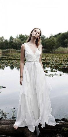 beach-wedding-dresses-moons-varsovie