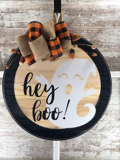 Halloween Wood Signs, Fall Wood Signs, Halloween Door Hangers, Fall Door Hangers, Halloween Halloween, Fall Signs, Dollar Tree Halloween, Wooden Halloween Crafts, Diy Fall Crafts